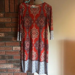 3/4 length sleeve orange and blue print dress